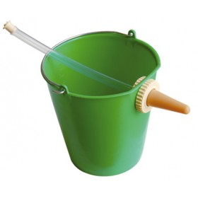 BUCKET WITH PLASTIC POPPAT FOR CALVES